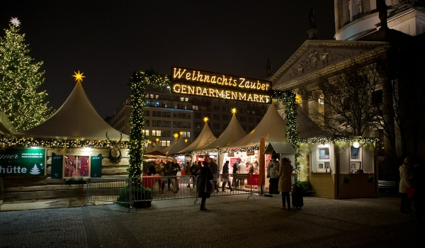accessible-holidays-enable-holidays-cities-things-to-do-in-cities-accessible-city-breaks-berlin-christmas-market-german-market-holidays