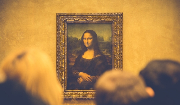 accessible-holidays-enable-holidays-cities-things-to-do-in-cities-city-breaks-disabled-holidays-mona-lisa-paris-louvre-wheelchair-user