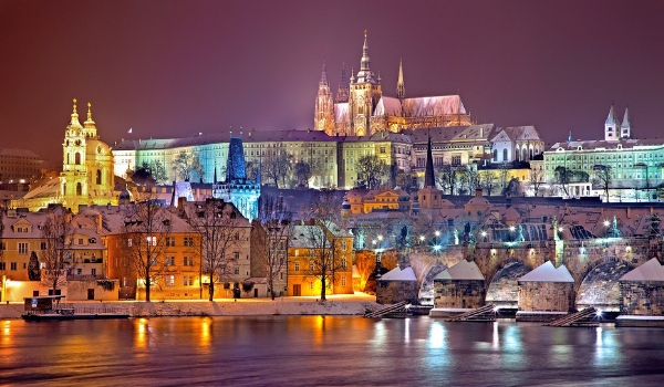 accessible-city-breaks-accessible-holidays-enable-holidays-find-the-winter-city-break-for-you-accessible-city-break-destinations-winter-prague-accessible-prauge-skyline-view