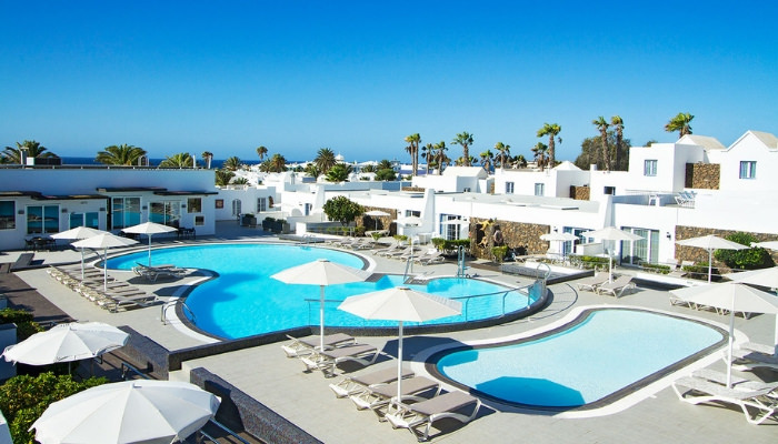 Bungalows Nautilus Accessible Apartments Lanzarote Pool Hoist